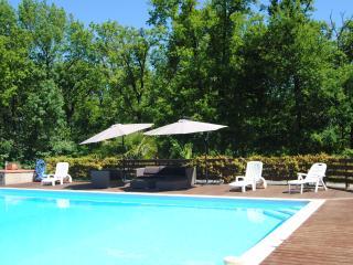 Appartement dans villa, en rez de jardin, Gimont