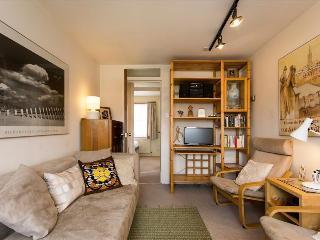 Modern 2 Bedroom Apartment West London, Brentford