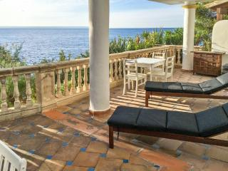 Sunny apartment in a hotel with pool, Calvia