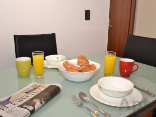 ANTONIA - 1 Bed Designer Apartment (Unicentro), Bogota
