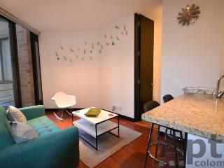 DAISY - 1 Bed Executive Apartment with balcony & squash court - Chico Navarra, Bogota