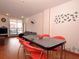 JULIA - 2 Bed Economical Apartment with balcony - Chapinero Alto, Bogota