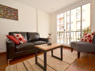 KIARA - 2 Bed Renovated Apartment with wood floors - Chapinero Alto, Bogotá