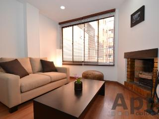 LAILA - 2 Bed Renovated Apartment with comfortable lounge - Bella Suiza, Bogota