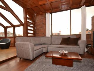 MONICA 2 - 2 Bed Renovated Duplex (Usaquen), Bogota