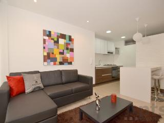 RAFAELA - 2 Bed Executive Apartment with balcony - Cedritos, Bogota