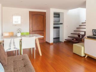 ROSANA - 3 Bed Renovated Apartment with private roof terrace - Cedro Golf, Bogota