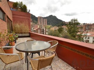 SABINE - 2 Bed Renovated Apartment (Zona G), Bogota