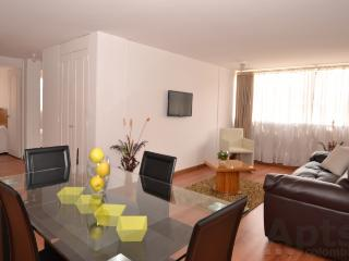 VALENTINA - 3 Bed Family Apartment with lots of space & light (Santa Ana)