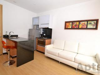 VICKY - 1 Bed Modern Studio Apartment with balcony - Santa Bibiana, Bogotá