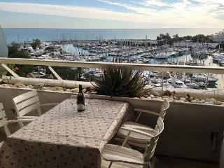 Marina Baie des Anges Studio Apartment, Villeneuve-Loubet