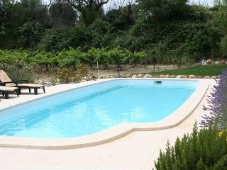 Villa Masefield, Tourbes