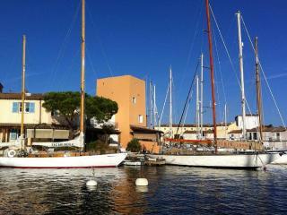 Delightful Port Grimaud Waterfrony House, Tignes
