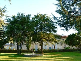 Caissargues Provencal Mas, Nîmes