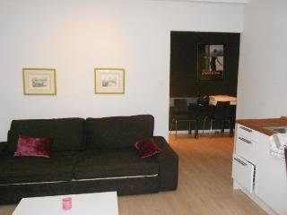Apartment F2 - 19, Cannes