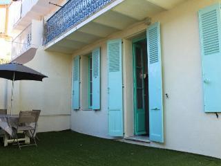 Apartment F3 - 25, Cannes