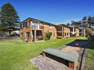 SOUTH STRAND 2 - Beachfront, Avoca Beach