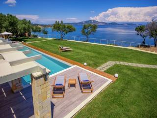 Artina Villa Luxury 3-Bedroom Private Pool Villa, Zacinto