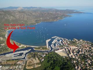 STUDIO +parkings+anneau pour bateau sur la plage !