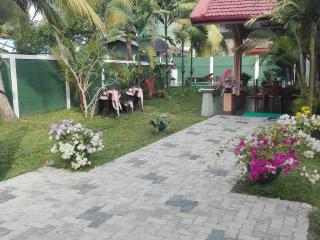 Aura beach villa, Aluthgama