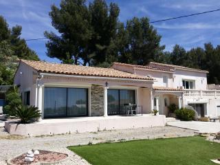 Rez de jardin à la Villa Paradise vue sur mer, La Cadiere d'Azur