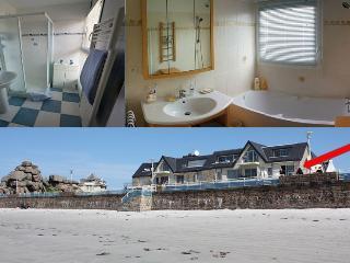2 salles de bain La plage au pied de l'appartement