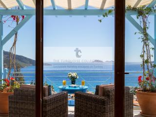 Villa Olivia in Kalkan's old town sleeps 10