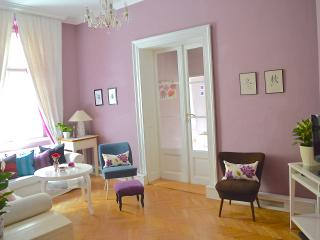 Elegance,style,space, Apt off Wenceslas square -270 nights booked 2016 BOOK NOW!, Prague