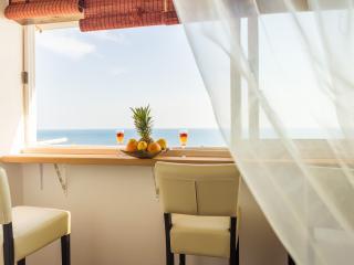 PINK FLAMINGO sea view apartmen, Dubrovnik