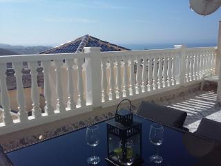 Bolnuevo Seaview Apartment with Wi-Fi & Air Con