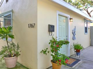 Super Cute Bungalow In Historic Downtown Area!  Walk To Everything!  AAA Rated!, Sarasota