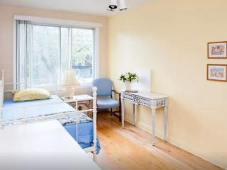 Beside The Olympic Park-Nice 3 Bedrooms Apartment, Montreal