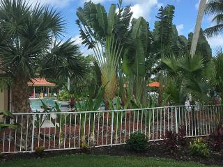 Beautiful 2 bedroom, 2 bathroom, first floor condo, Naples