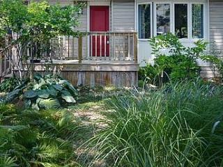 Ainsley Garden Boutique Style 3 bedroom, 2 bath, Niagara-on-the-Lake