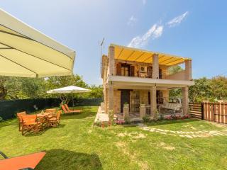 Artemis Luxury Villa