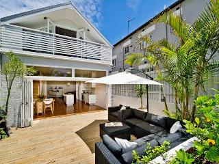 000XP  Beautiful Design Home, Bondi