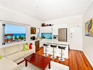 000YA Surf and Sand Apartment, Bondi