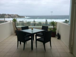 0014Q Bondi Beach Views
