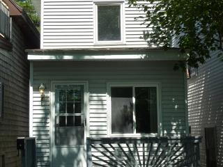 Modern 3 bedroom, 2 bath house, 1/4 mile to beach, Old Orchard Beach