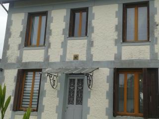 Beuzeville, near Honfleur, Detached House sleeps 8