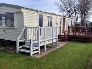 3 bedroom 8 Berth caravan chapel st Leonards Skegness
