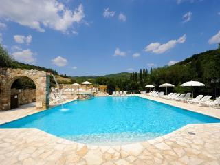 Appartamento con piscina Le Querce