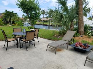 Quaint Canal Front Home, Hobe Sound
