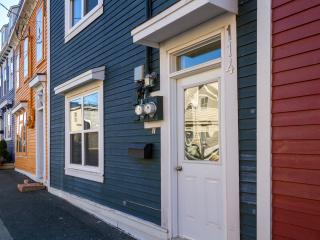 Fully Renovated Downtown Street Level Apartment., St. John's