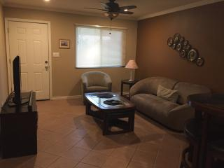 Fully Equipped Condo, perfect for your stay in PHX
