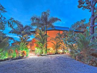 Welcome to Villa Tucan Tango.
