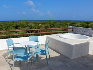 Modern and fresh 2 bedroom Apart-Hotel Breakfast included, Akumal