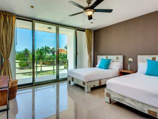 Acacia 303, 2 bedrooms at few steps from the beach, Playa Paraiso