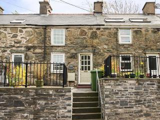 CARREG LWYD, multi-fuel stove, decked area, ideal base for Snowdonia in Blaenau Ffestiniog, Ref 20376