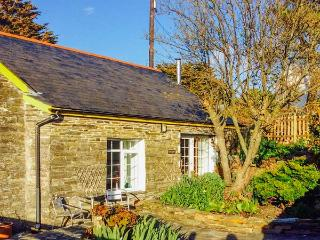 THE GARDEN APARTMENT, pet friendly, with a garden in Tintagel, Ref 2958